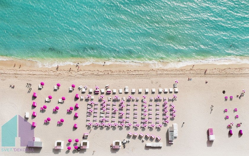 Fototapeta - Pink Umbrella
